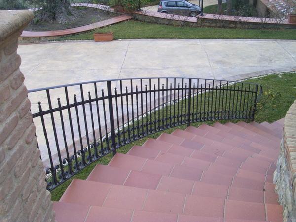 Arena costruzione infissi serramenti e infissi in pvc alluminio ferro acciaio enna sicilia photo - Foto scale esterne ...