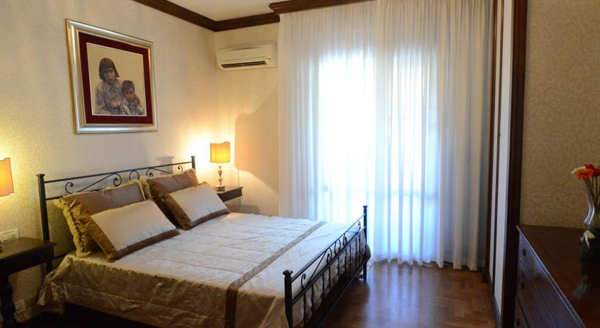 camere|camera bianca Bed and Breakfast PISA RELAIS